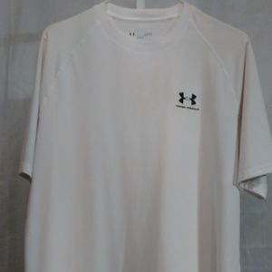 Under Armour Athletic Style Tee Shirt (L)